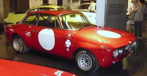 Alfa Romeo Giulia GTV. 2000 GT