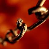 cadenas-rotas.jpg