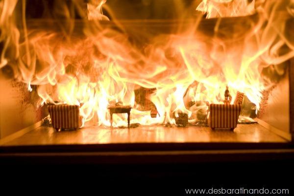 diorama-strange-casa-queimando-2