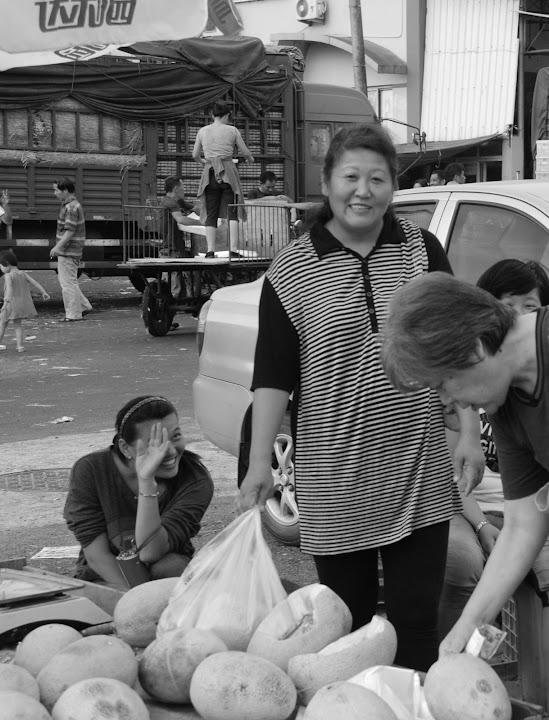 Shanghai - Marché poisson - La marchande