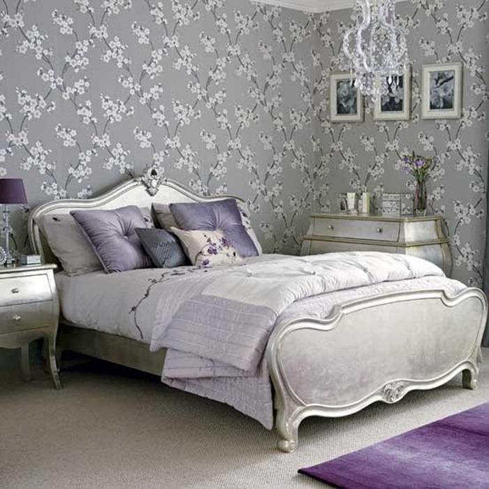 Decoração com lilás e cinza em estilo clássico