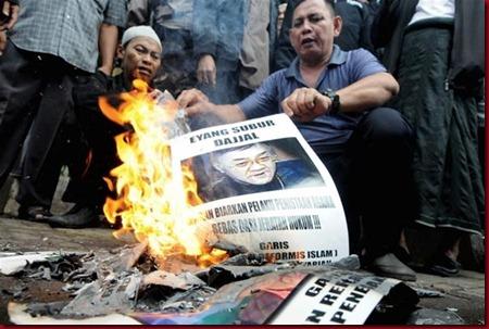 Eyang Subur Dianggap DAJJAL Oleh Demonstarn