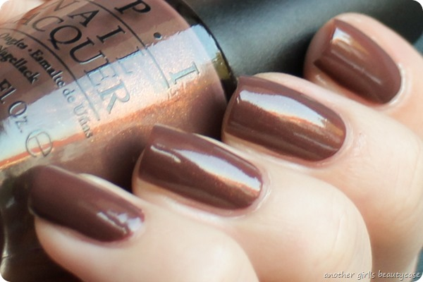 LackeinFarbeundbunt OPI Wooden Shoe Like To Know Swatch (2 von 4)