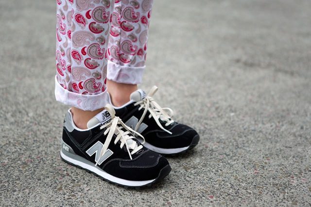 street style-new balance-sneakers