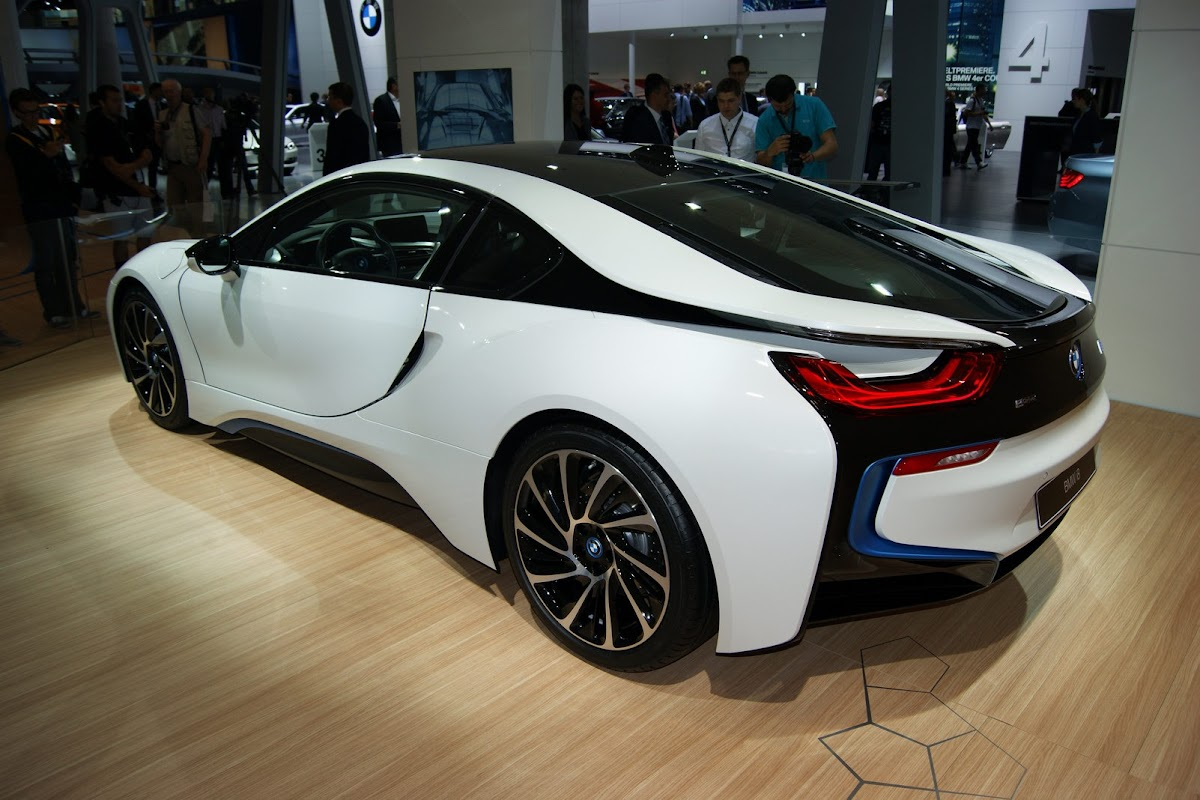 New BMW i8 PlugIn Hybrid is the Sports Car of the Future 49