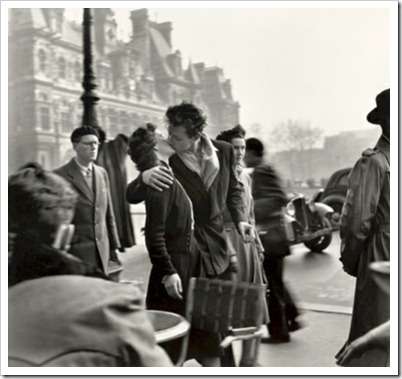 Robert_Doisneau_Le_Baiser_The_Kiss