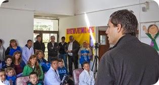Al final de la entrega, el Intendente reafirmó su convencimiento de que la mejora de la educación es central para la transformación de la comunidad