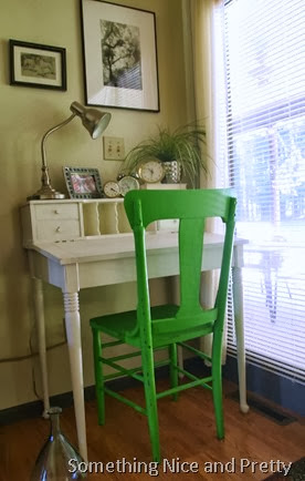 green chair 009