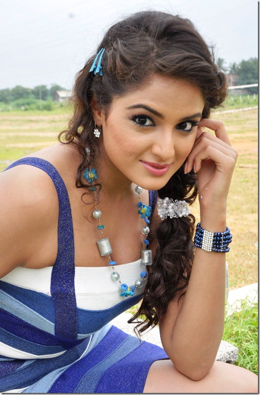 asmita_sood_stylish_still