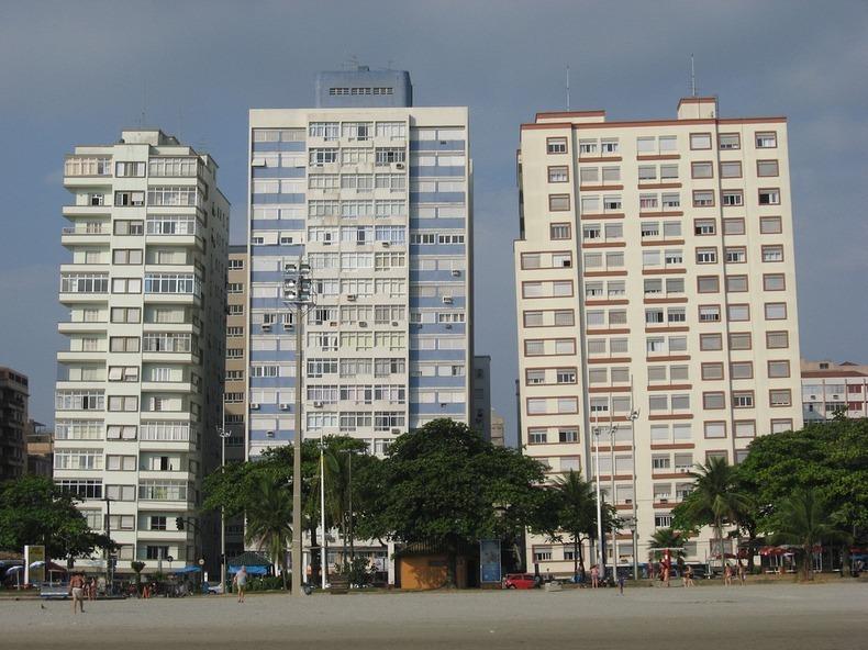 santos-leaning-buildings-5