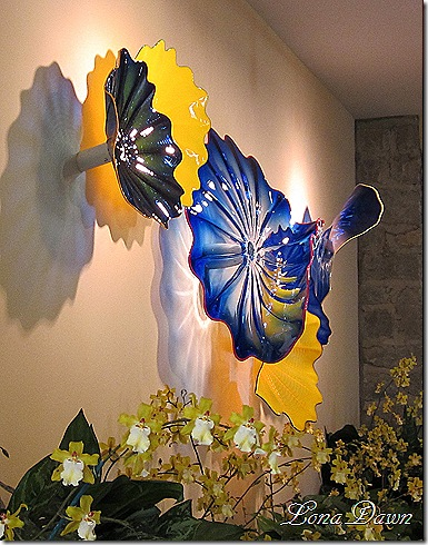 Chihuly_Orchids