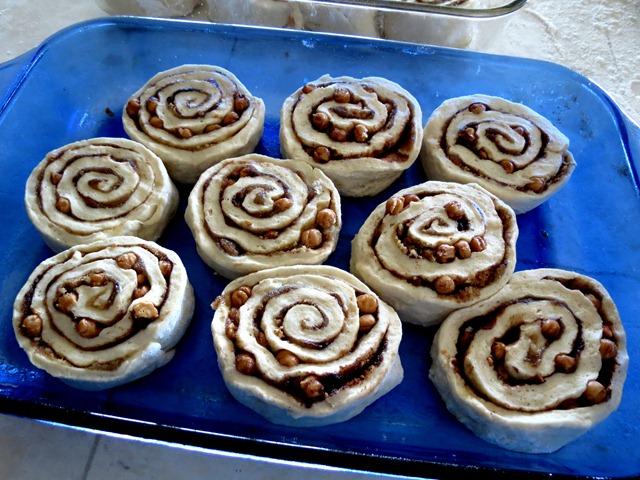 caramel cinnamon rolls 2 fast cheap easy