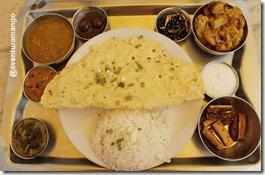 Almoço com pratos vegetarianos 02