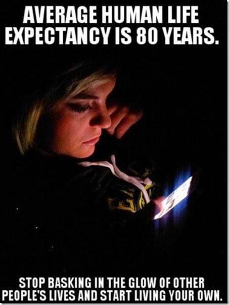 cell-phones-everywhere-035