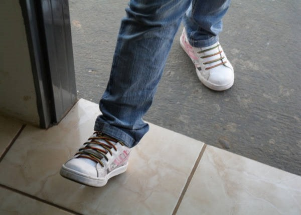 2- Entrar com o pé direito