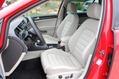2013-Volkswagen-Golf-37