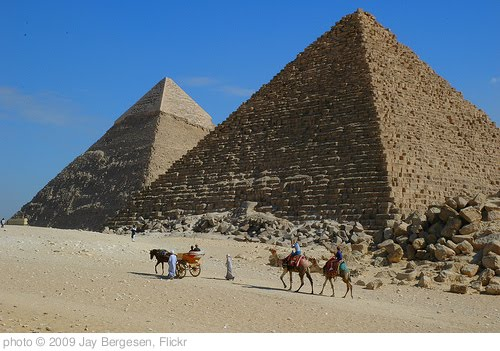 'Pyramids at Giza' photo (c) 2009, Jay Bergesen - license: http://creativecommons.org/licenses/by/2.0/