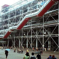 04.- Rogers y Piano. Centro Pompidou