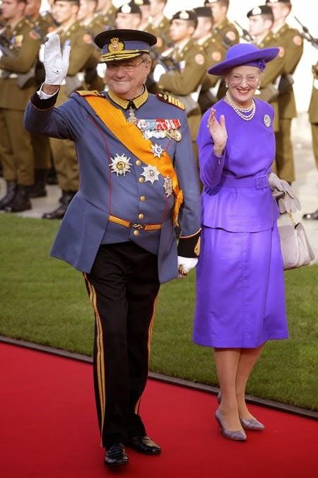 La reina Margarita de Dinamarca (dcha) y el príncipe consorte Enrique de Dinamarca