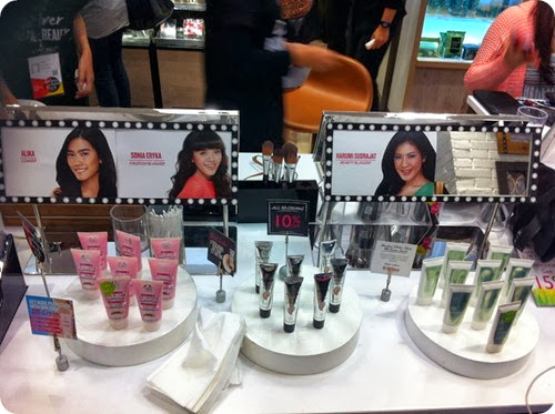 Priscilla beauty blogger The Body Shop Color Crush makeup event