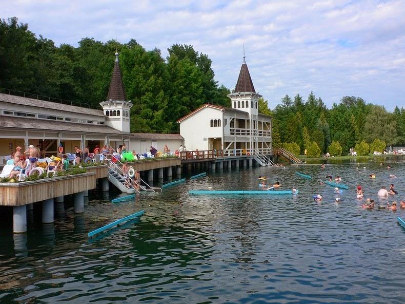 Lake Heviz Europe S Largest Thermal Lake Amusing Planet