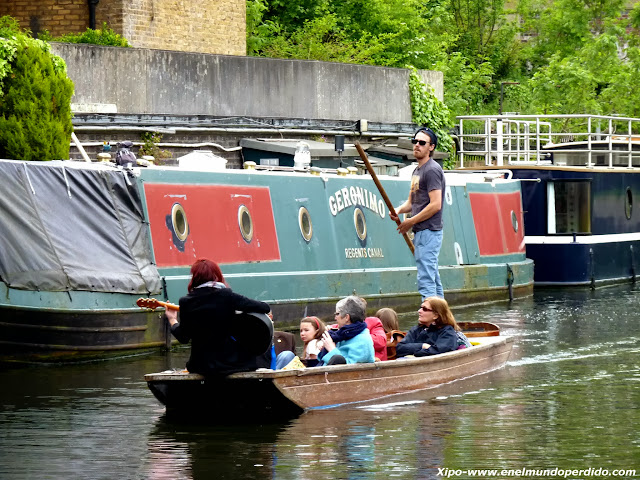 bote-cantante-regent's-canal-londres.JPG
