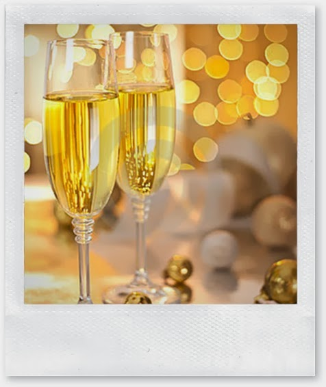 glasses-champagne-christmas-eve-21825577 (1)