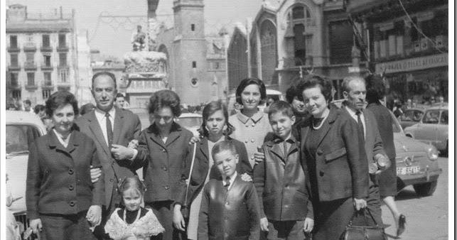 Valencia en blanco y negro familia en fallas - Familias en blanco y negro ...