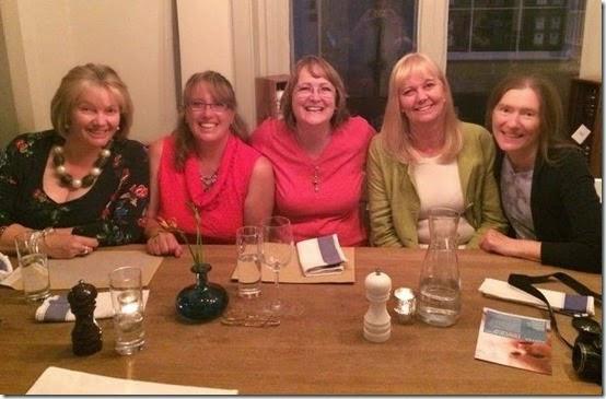 dinnergirls1