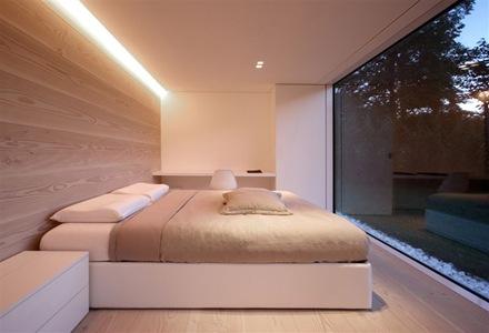 revestimiento-en-paredes-y-suelo-con-madera