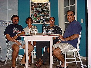 Nossos banquetes!! João, Chris, Beto e Zé na casa de Ivan e Egle