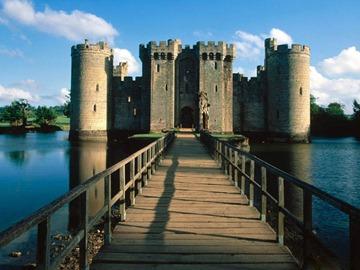 bodiam-castle-moat