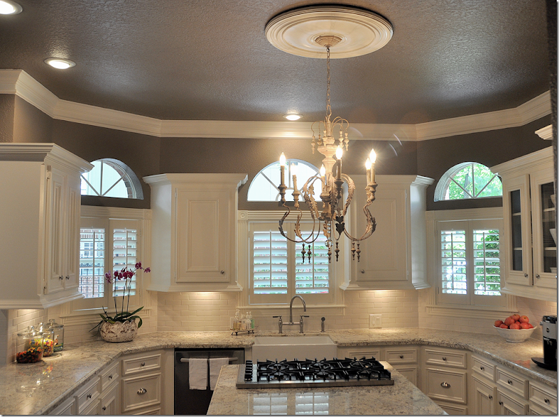 Elegant kitchen counter backsplash