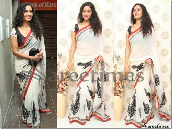 Nivita_White_Georgette_Saree