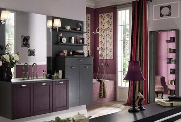 cuartos de baño en color púrpura