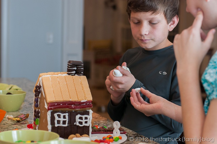 Gingerbread Houses 2012 blog-13