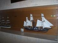 2008.10.17-001 maquettes de bateau dans l'église
