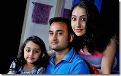 nithya_das_family_pics