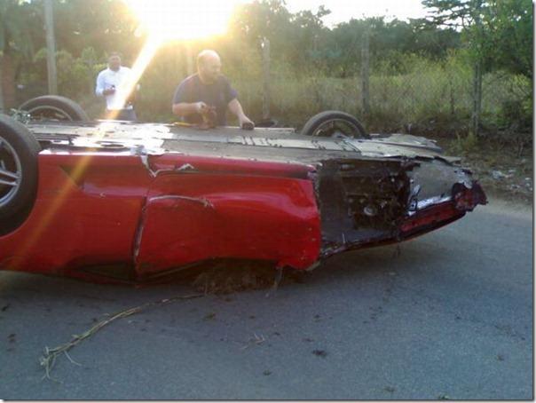 Uma Ferrari F430 destruida (5)