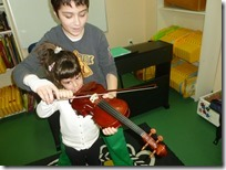 νήπια 2 _ γνωριμία με το βιολί (1)
