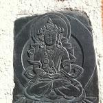 Buddha a 1300 su muro di una casa.JPG