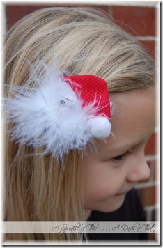 Santa Claus hair clippie {A Sprinkle of This . . . . A Dash of That}