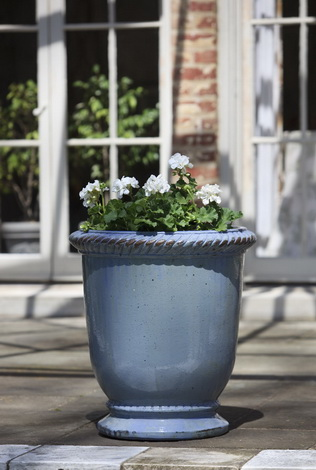 I am obsessed with the blue glaze on this planter. It's absolutely mesmerizing. (campaniainternational.com)