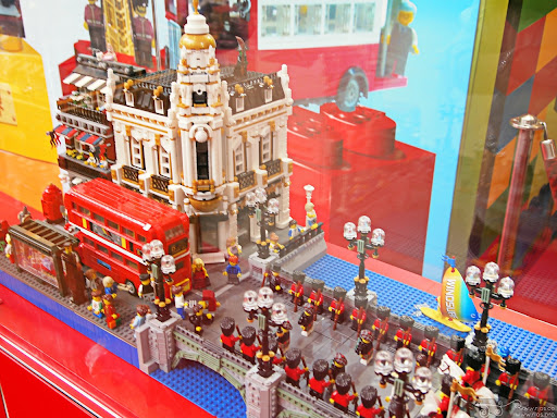 rios_northpoint_lego_uk_01.jpg