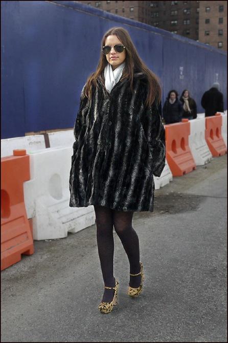w fur coat white scarf aviators print heels - ol
