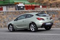 2014-Opel-Astra-GTC-4