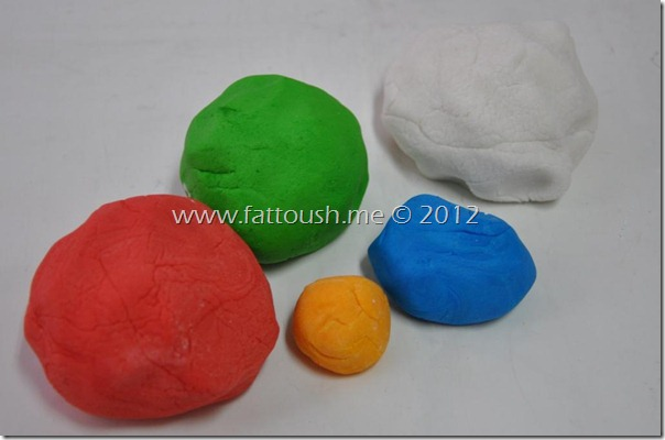 وصفة عجينة السكر الفوندان من www.fattoush.me
