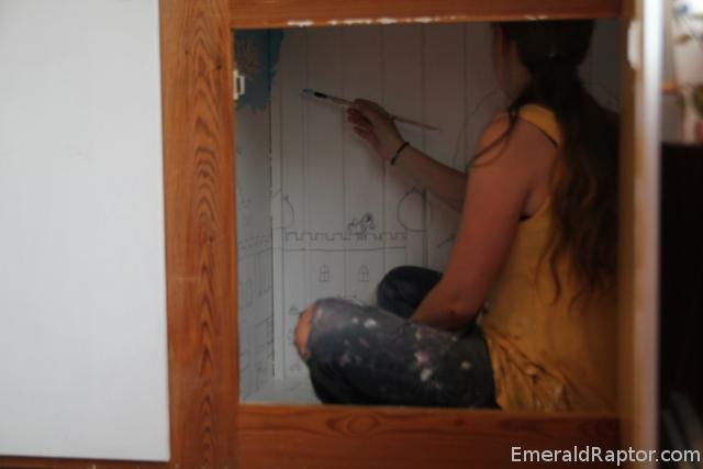 Jeg maler i skapet