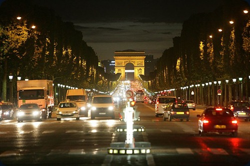 Paris Avenue_des_Champs-lyses