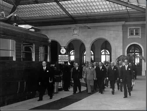 Caminhos de Ferro.123 (28-04-1956) Electrificação da linha Lisboa-Carregado